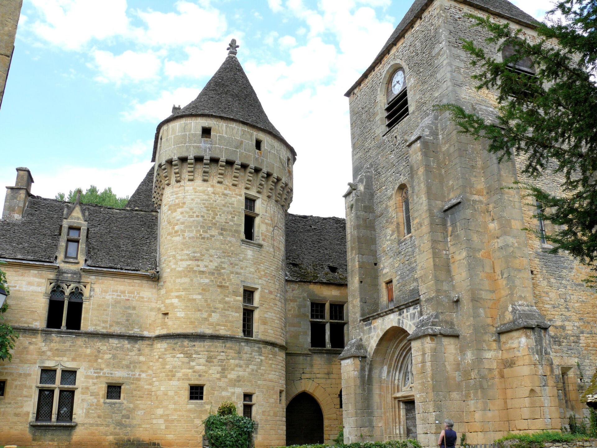 saintgenies__chateau_et_eglise_3_1624452759