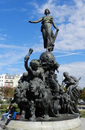 VISITE GUIDEE : LE QUARTIER DE NATION AVEC PARIS HISTORIQUE